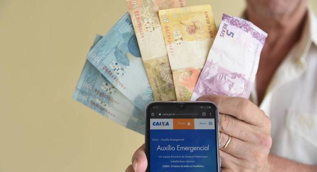 Auxílio emergencial será pago por quatro meses e deverá chegar ainda em março CAIO ROCHA/FRAMEPHOTO/FOLHAPRESS