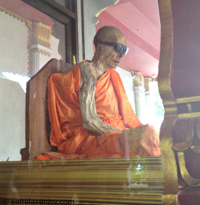 הנזיר החנוט - המומיה בקוסמוי