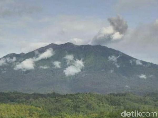 Gempa Tremor dalam Erupsi Gunung Raung Meningkat
