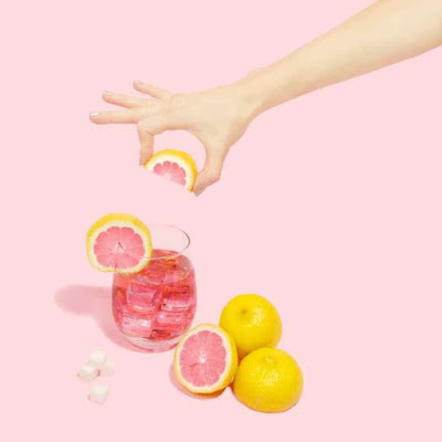 فيتامين سي للوجه ! فوائد وكيفية استخدامه