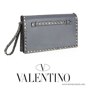 Queen Maxima carried VALENTINO Grey Rockstud Clutch Bag