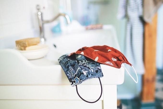 Jangan Sembarangan! Berikut 5 Cara Mencuci Masker Kain dengan Benar