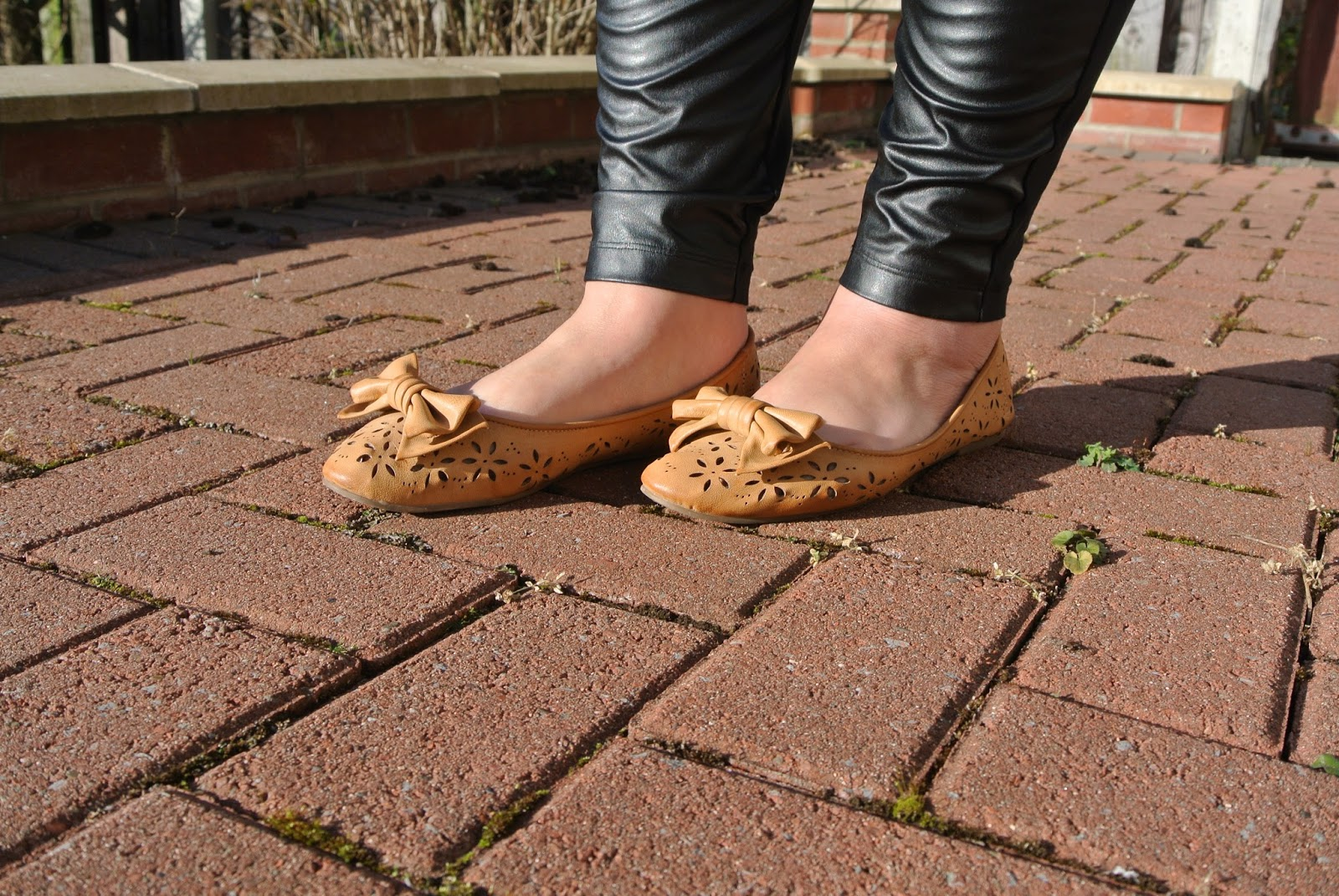 Tan shoes with bow