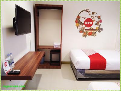 uno hotel surabaya oyo room