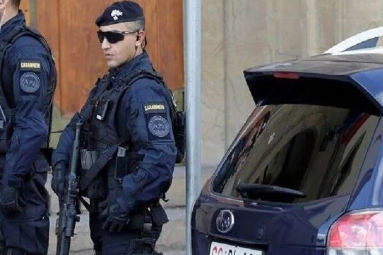 السلطات الايطالية تشن حملة اعتقالات كبيرة بتهمة الإتجار بالبشر