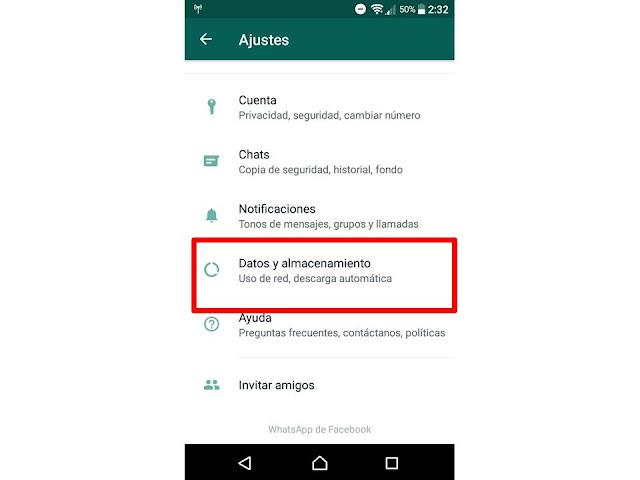 una vez dentro de los ajustes de whatsapp entramos a la opcion datos y almacenamiento