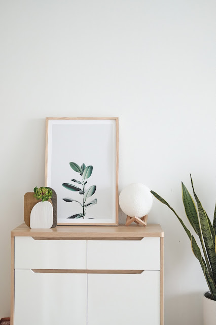 Working from home; clean, minimal and with hints of greenery