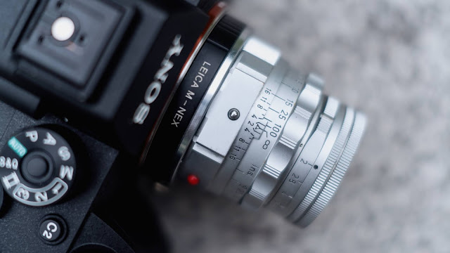 Leica Summicron 50mm DR pada Sony a9 II