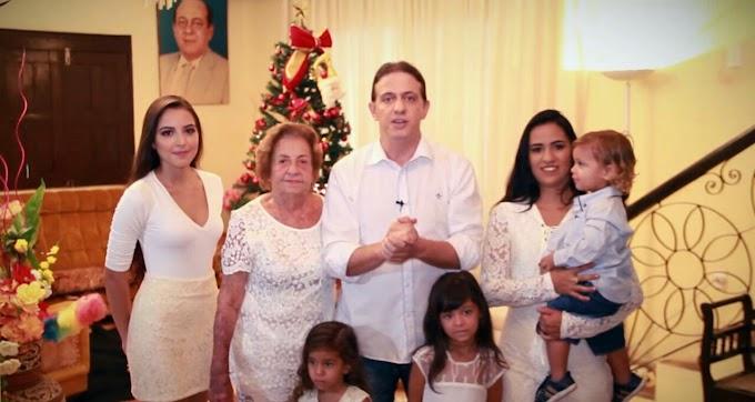 VÍDEO: Feliz Natal, Feliz Ano Novo: São os votos de Fábio Gentil e Família