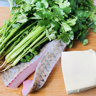 BB班廚藝湯水分享 ~ 芫茜豆腐魚片湯