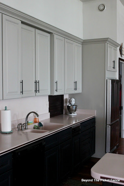 Painting Cupboards with Fusion Mineral Paint