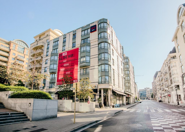 https://www.booking.com/hotel/be/radisson-red-brussels.en.html?aid=960979&no_rooms=1&group_adults=1