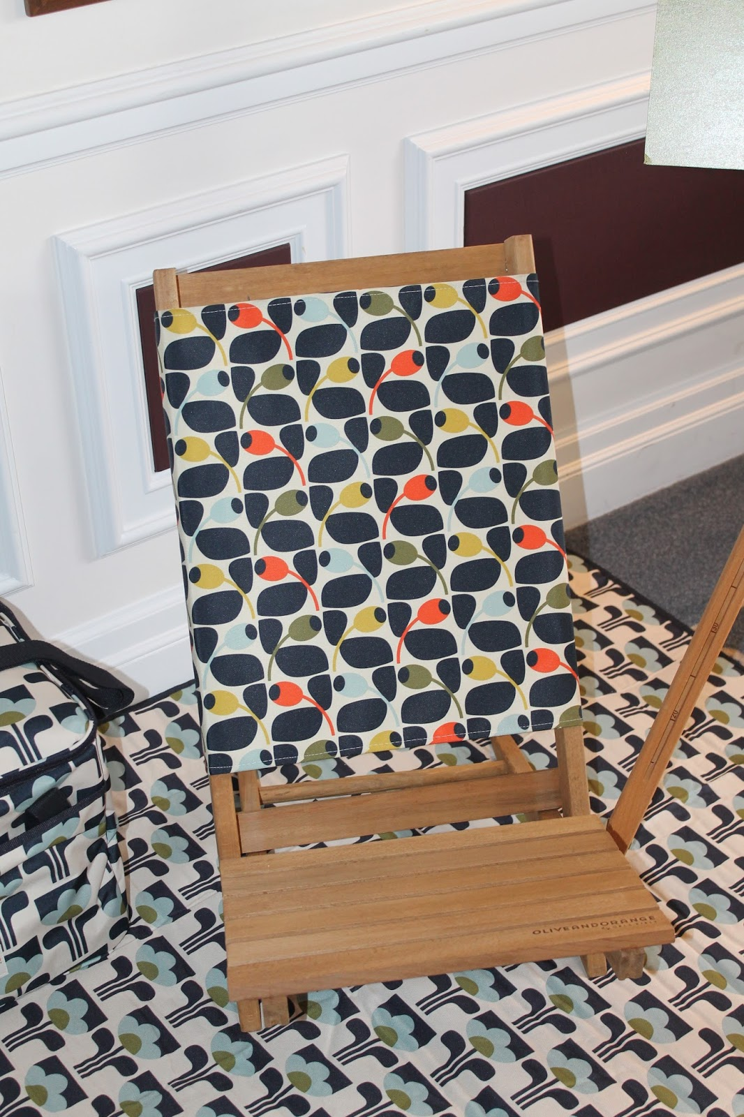 The Wooden Festival Chair In Multi Olive Print Has Got That Retro Style  That Reminds Of Trips To The Beach When We Were Kids Or Picnics In The Park.