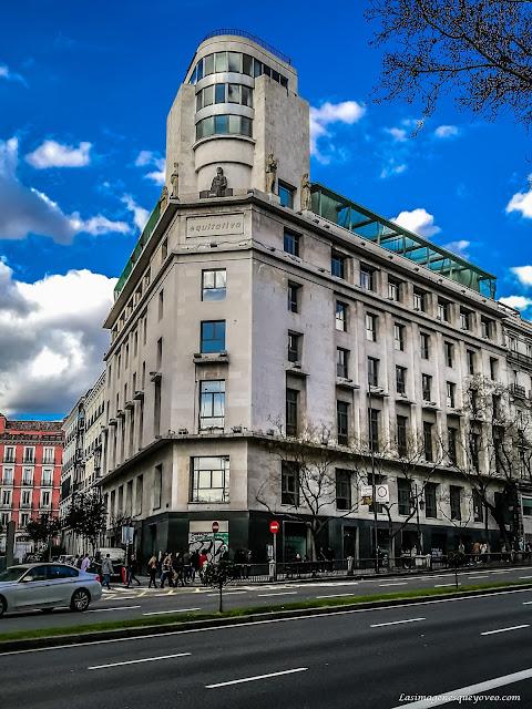 Fotos tomadas con Zoom del edificio de la Equitativa en la calle Alcalá
