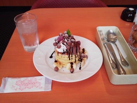 バースデーパンケーキ¥0-2 デニーズ黒川店