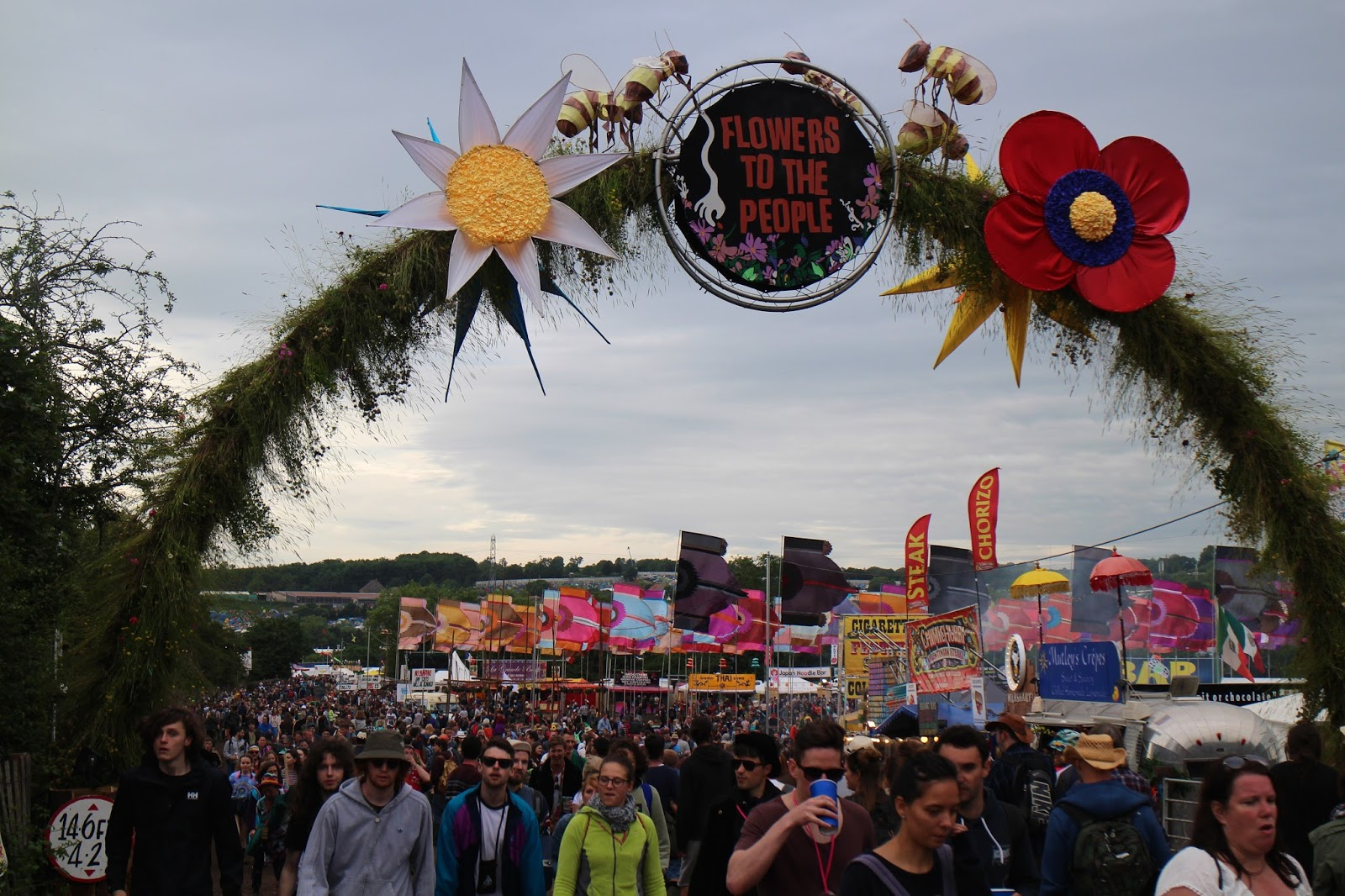 Glastonbury Festival 2016 - Flowers to the People