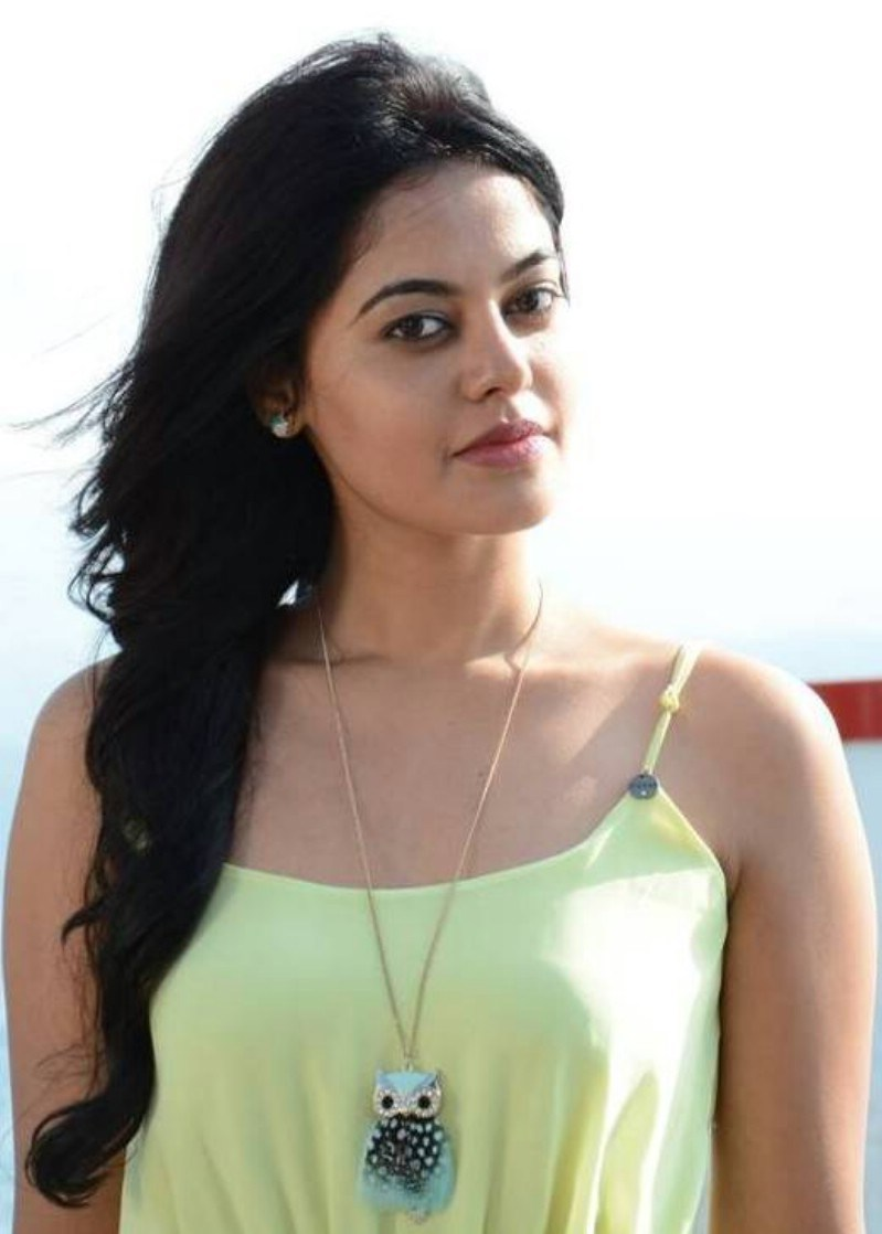 bindu madhavi tamil actress latest cute and hot gallery