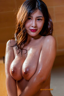 Beautiful Chinese popular model with natural big boobs. See her nude photo set and watch her teasing on her video.