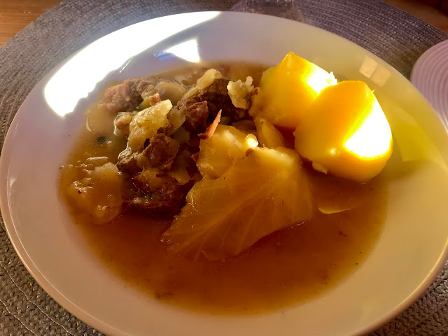 Fårikål - Norwegian lamb and cabbage stew