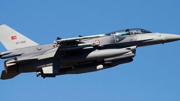 Τουρκικό F-16 κόντεψε να συντριβεί στη Χίο