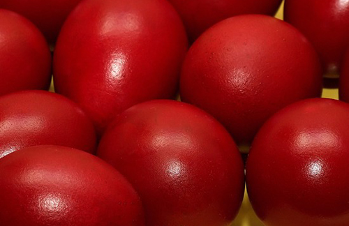 1_500_red_eggs