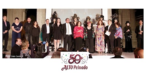 Alto peinado celebró 50 años