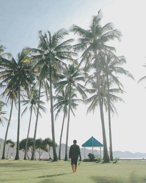 harga tiket masuk pantai srau Pacitan, camping di pantai srau Pacitan, rute perjalanan ke Pantai srau Pacitan, Pantai srau Pacitan