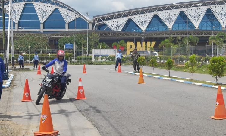 Prajurit TNI AU Juga Mengikuti Edukasi Safety Riding dari Astra Motor Pontianak