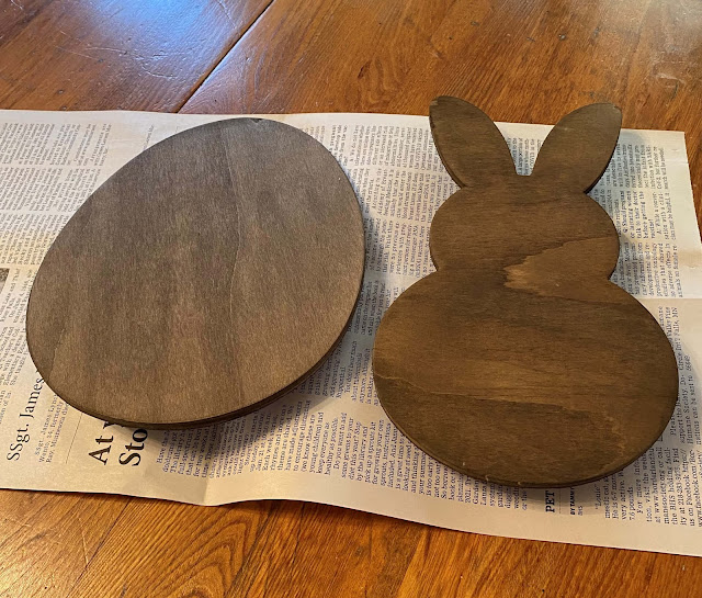 Photo of stained egg and bunny