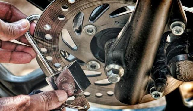 Tips agar Sepeda Motor Aman dari Pencuri
