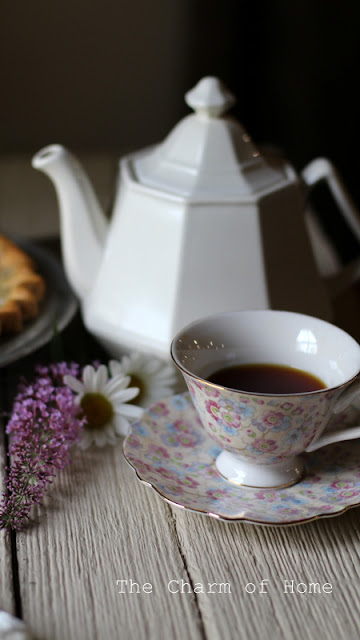 Blackberry Pie Tea: The Charm of Home