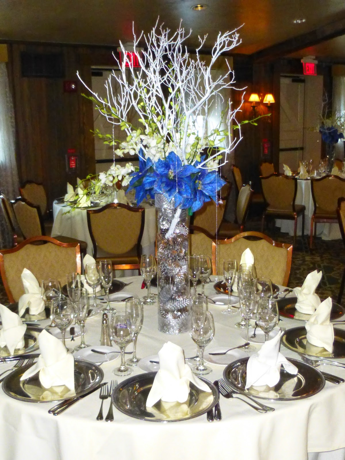 35 Innovative Winter Table Decorations
