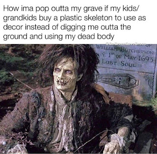 Halloween Costume Meme by @gogreensavegreen on Instagram
