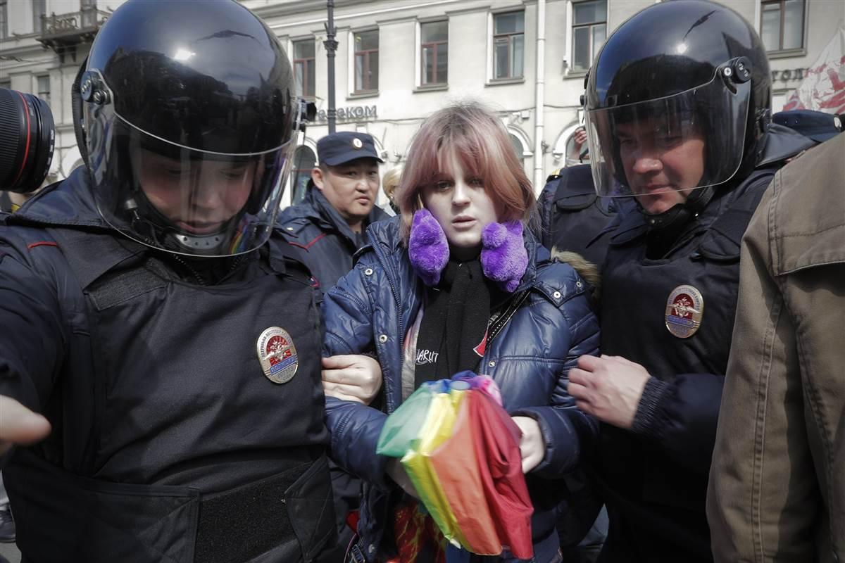 Corte europeia condena Rússia por lei que proíbe manifestações LGBT