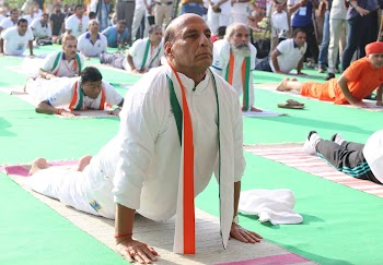 #InternationalDayofYoga : Modi to Rajnath Singh all leaders celebrated the day and promoted Yoga