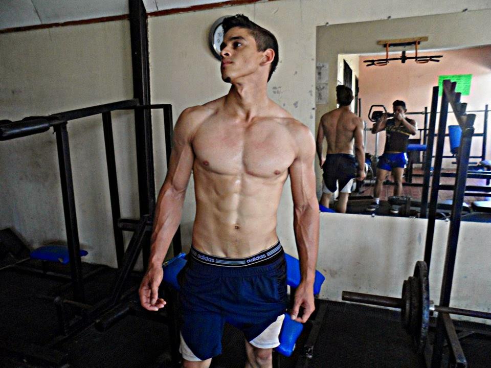 Hot Men From Central America: César Pineda - Honduras