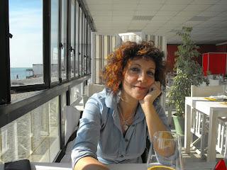 http://www.labellapoesia.info/2014/02/antonella-antonelli.html