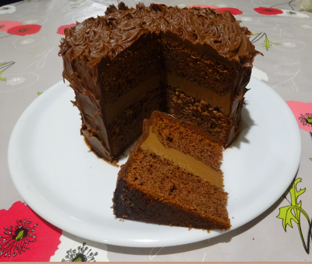pâtisserie  anniversaire gâteau de fête au chocolat