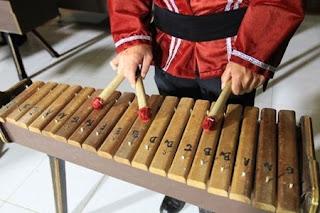 https://www.metalmaya.com/2020/08/5-jenis-alat-musik-tradisional.html