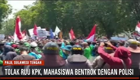 Aksi Unjuk Rasa Mahasiswa di Palu Ricuh