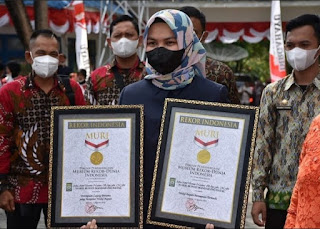 Jabat Wabup Wanita Termuda-Lajang Pertama di RI, Atika Nasution Dapat Dua Rekor MURI