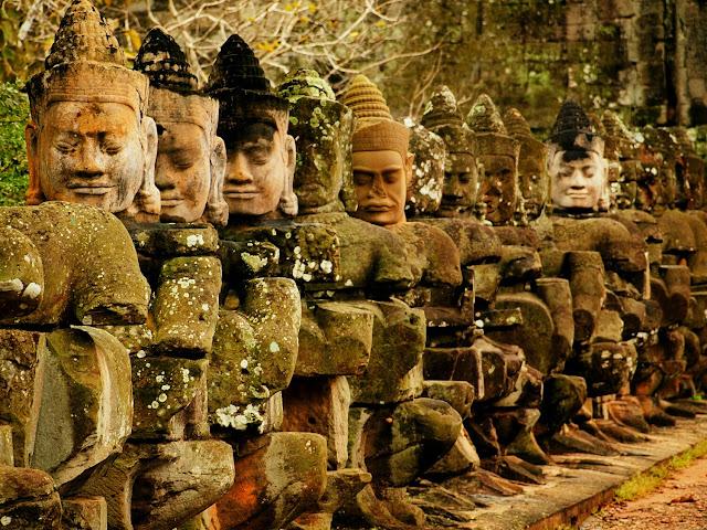 Victory Gate, Angkor - Camboya, por El Guisante Verde Project