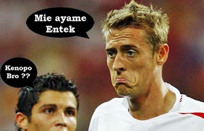 ekspresi wajah lucu saat sepak bola