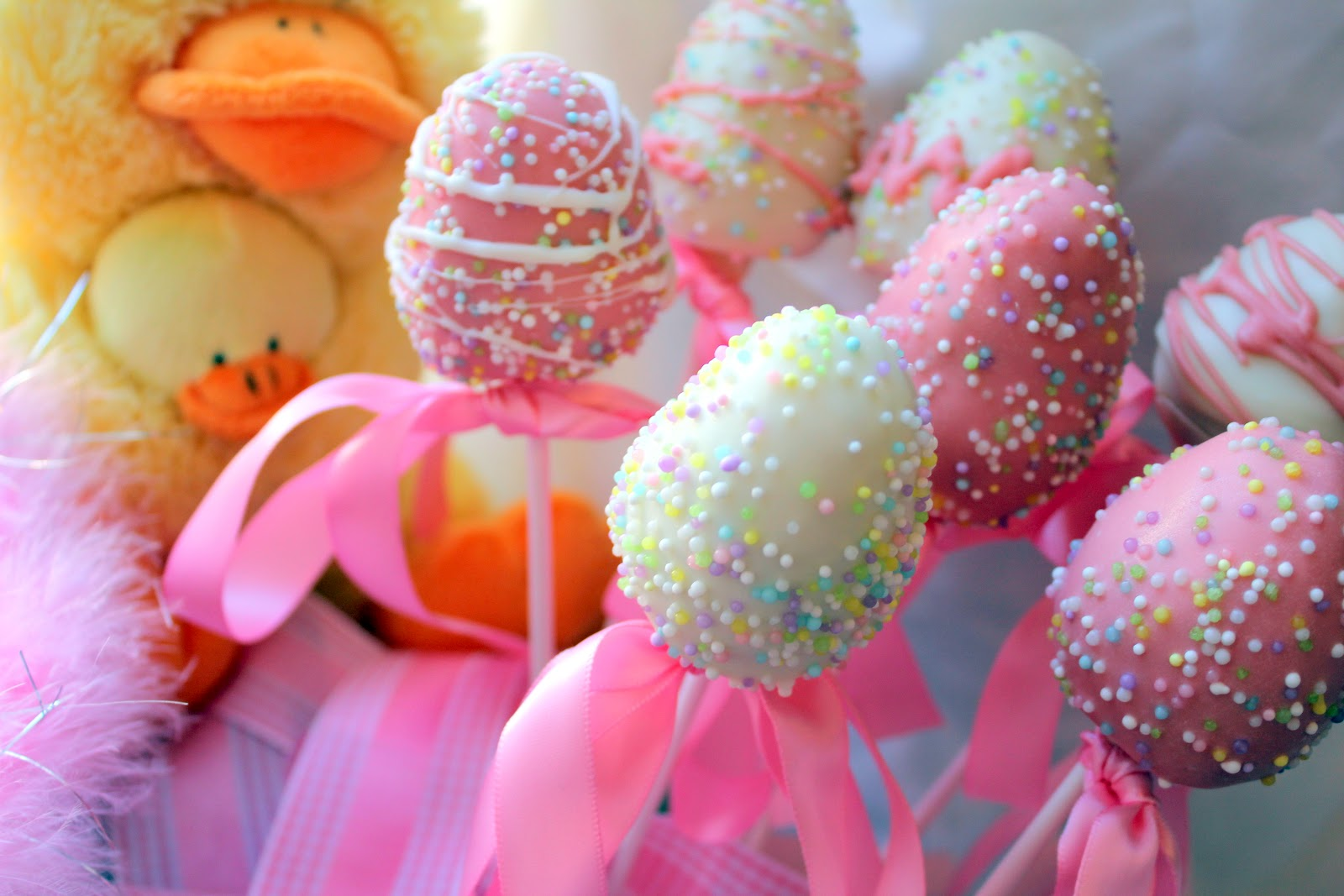& 32 Easter Decorating Party Food and Gift Ideas