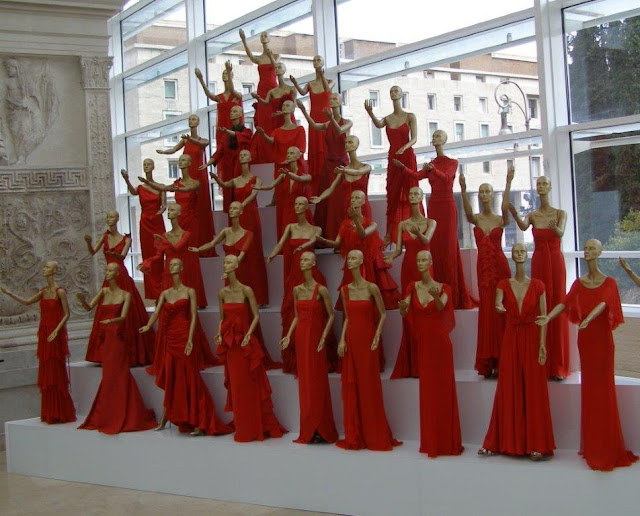 https://www.theguardian.com/world/2007/jul/09/italy.fashion