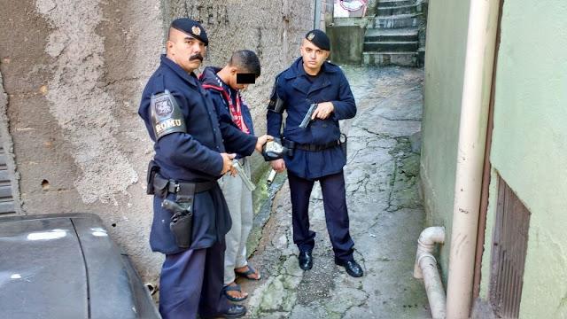 Denúncia anônima leva a ROMU de Santo André a apreender menor por tráfico de entorpecentes