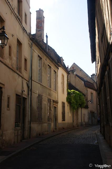 Tipiche vie medievali nel centro di Beaune