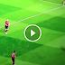 Khoảnh khắc Pogba thực hiện skill thoát vị đĩa đệm ở trận đấu với Valencia