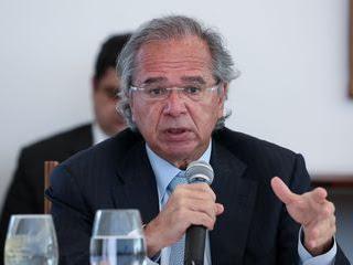 Guedes confirma prorrogação do auxílio emergencial por dois meses