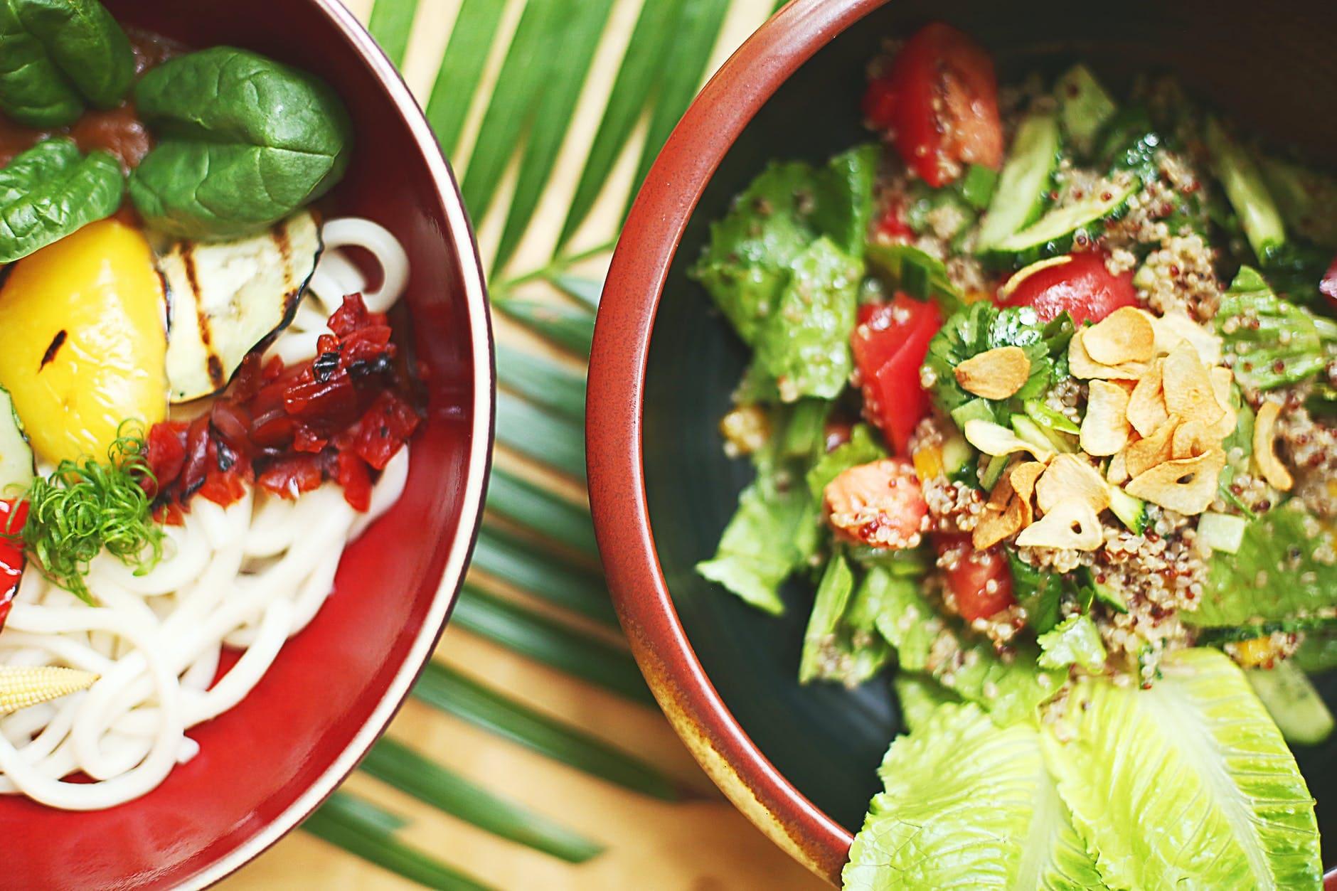 How to make crispy noodle salad